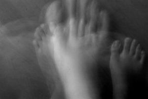 Imagen de un pie borroso