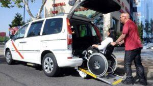 El Ayuntamiento de Salamanca abre la convocatoria de bonotaxi para personas con movilidad reducida