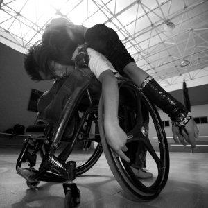 44paraolimpico...24marzo2010...ciudad...foto: Yadin Xolalpa Un dia en la vida de Ricardo de 13 años quen es un bailarin y atleta en silla de ruedas, que vive en el Edo de Mexico, pero que asiste a un Centro Paraolimpico ubicado en la Magdalena Mixhuca en la Delegacion Iztacalco, en donde entrena, sin embargo el camino no es facil, habiendo un sinfin de obstaculos que tiene que superar dia con dia , ya en el entrenamiento empieza la convivencia con su compañera quen lo ha acompañado en el bale desde hace algunos años, el baile inicia.
