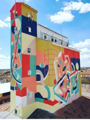 Foto de un silo pintado. Proyecto Titanes